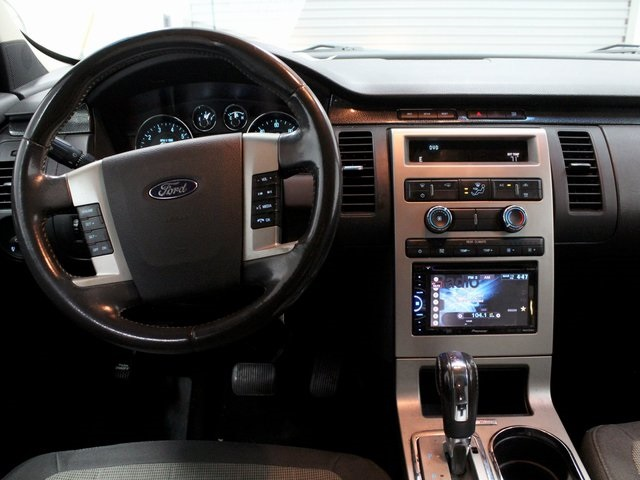 Pre-Owned 2011 Ford Flex SE