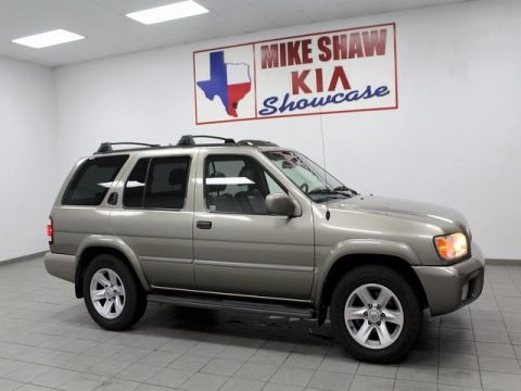 Pre-Owned 2003 Nissan Pathfinder LE